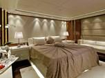 Golden Yachts 130
